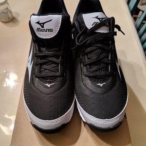 Mizuno leather coaching shoe Size 8
